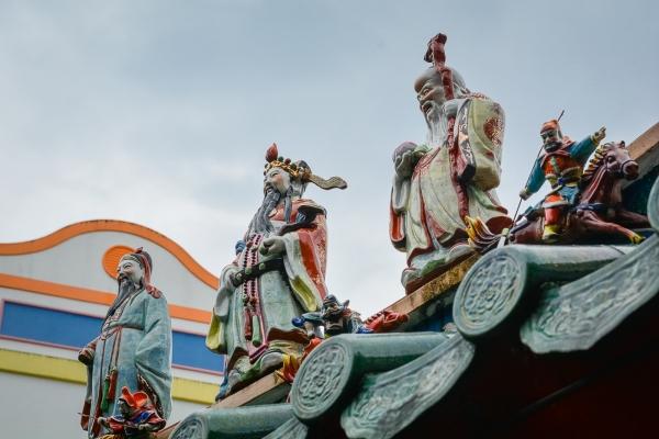 Dachy świątyń w Kuching