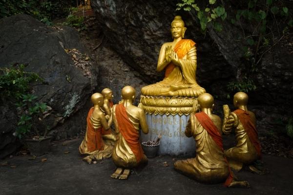 Jeden z posągów Buddy