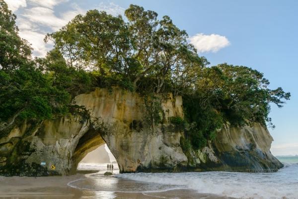 Coromandel - Formacje skalne na plaży